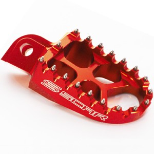 Repose-pied-SCAR-CRF-rouge